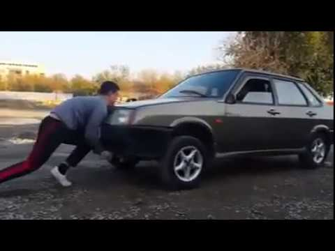 TURKMEN BOY LIFTED A LADA CAR WHILE DRIVER STEP ON THE GAS (Жигули против туркменского мальчика)