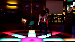 Дуэт Maracuya:)))))) Стрип-танец на песню Recovery...