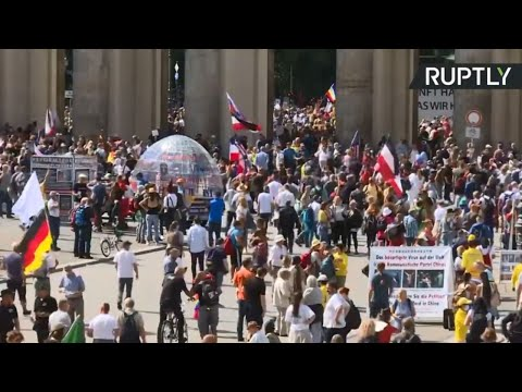 Thousands rally against COVID restrictions in Berlin