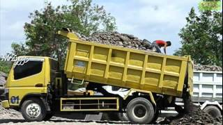 Dump Truck Mitsubishi Colt Diesel 125 PS HD Canter Unloading Stone