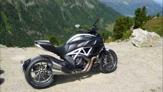 2015 Ducati Diavel Carbon in the Alps