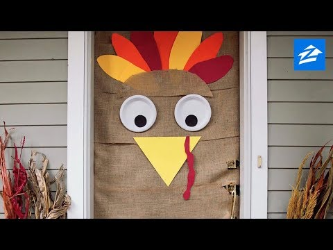 DIY Thanksgiving Decoration: Turn Your Door Into a Turkey