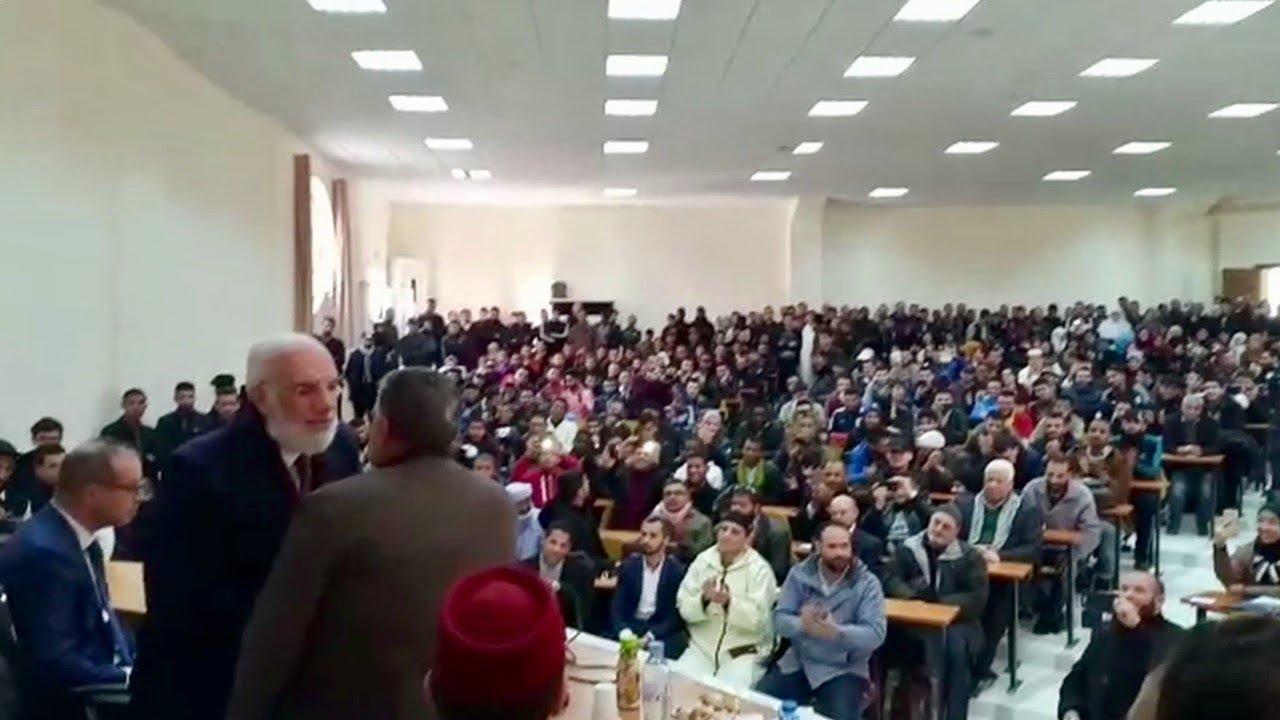 تكريم د. عمر بإطلاق اسمه على اكبر قاعة في جامعة بالجزائر