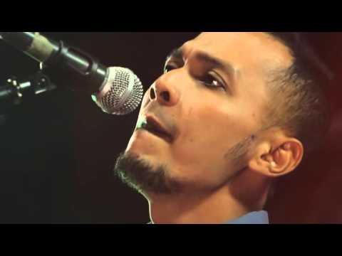 Andra and the backbone - main hati (cover) @AcousticCorner w/ JD PRO