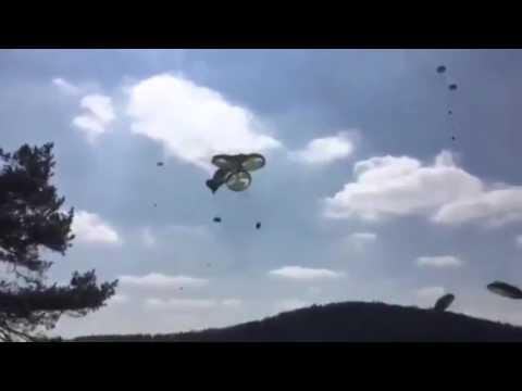 Geländewagen fallen ungebremst vom Himmel - US Truppenübung in Hohenfels