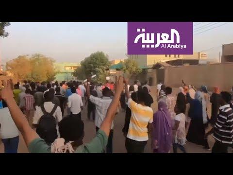 تظاهرات مطالبة بتنحي الرئيس بمشاركة قيادات المعارضة  - نشر قبل 31 دقيقة