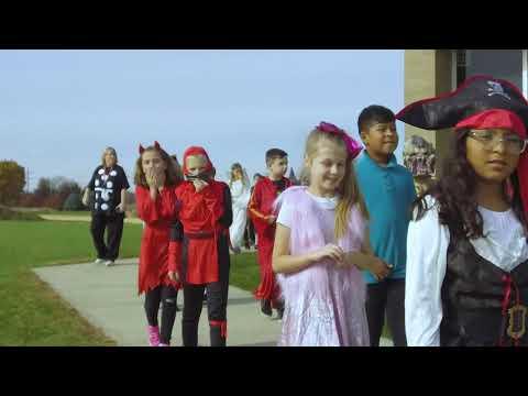 Monroe Center Grade School - 2018 Halloween Parade
