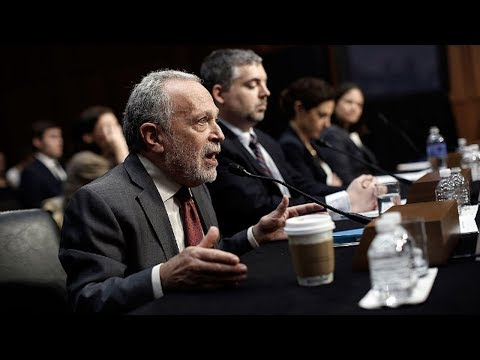 """Robert Reich: Closing the Border to Mexico is """"Insane"""""""
