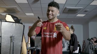 Download Video Ox's Vlog: Behind-the-scenes at the 2019/20 Liverpool new kit shoot with Alex Oxlade-Chamberlain MP3 3GP MP4