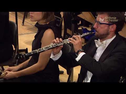 Khatia Buniatishvili Piano Concerto in A minor, Op. 54 Paavo Järvi Frankfurt Radio SO