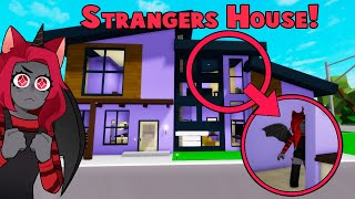 I *SECRETLY* Lived In A STRANGERS HOUSE! (Brookhaven RP Roblox)