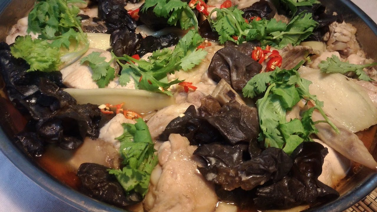 Steamed chicken with black fungus and ginger - YouTube