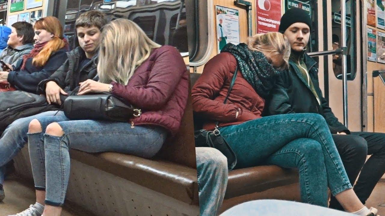 ПРАНК: ДЕВУШКА СПИТ На Людях в метро | Girl Sleeping on Strangers in the Subway | Девушка в метро