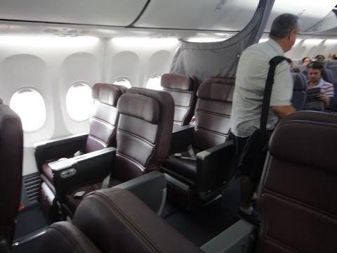 Qantas B737-800 Business Class : Sydney to Alice Springs QF790