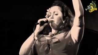 ▲Laura B & The Moonlighters - Good rockin daddy - Vintage Roots Festival 2014