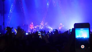 Arctic Monkeys - Do I Wanna Know? live @ Metro Radio Arena / Newcastle UK Tour 2013