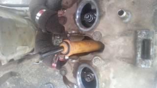 400ex Tick  PROPER VALVE ADJUSTMENT Tight Loose valve Exhaust valve in decompression when adjusting