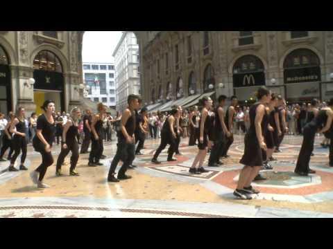 Flashmob Milano- Galleria