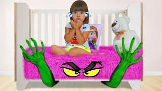Арина и история про монстра под кроватью
