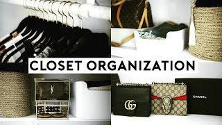 These how to small closet organization hacks and tips will help you organize your closet fast! Clean your closet with these easy and