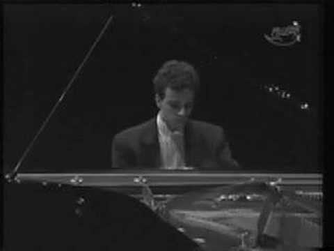Damien Luce plays Schumann (part 1)