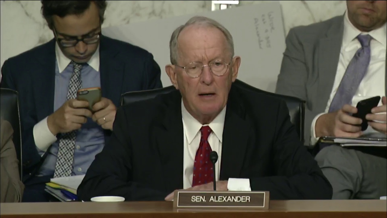 The Latest: Senators Announce Plan for Insurance Markets