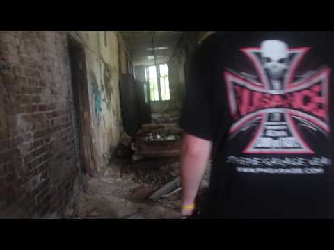Exploring an Abandoned School! w/ Alex