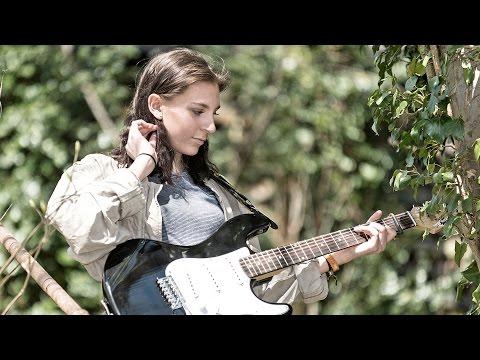 Emma Hamilton - Silk