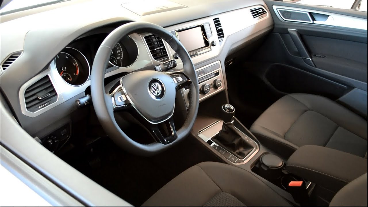 New VW Volkswagen Golf Sportsvan Interior / Innenraum ...