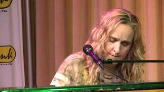Melissa Etheridge - The Weakness in Me (Bing Lounge)