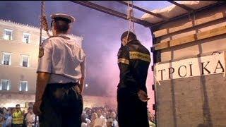 Protest der griechischen Polizisten und Feuerwehrleute