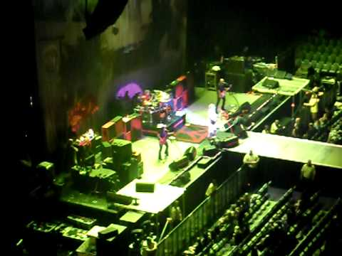 Sammy Hagar & Wabos Aug 17 2010 Toronto ACC Only One Way To Rock & Can't Drive 55