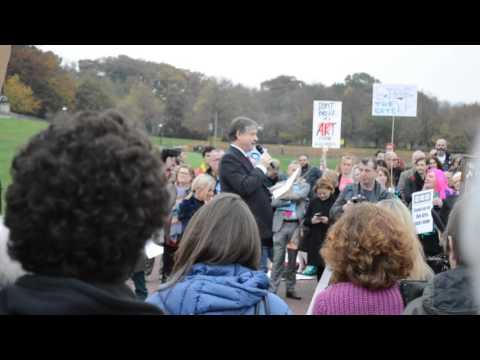 Basil McCrea MLA addresses the Arts Matter NI Rally at Stormont
