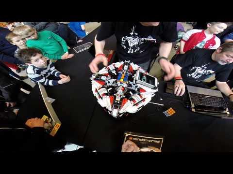 Un robot que resuelve el cubo de Rubik en poco más de 3 segundos
