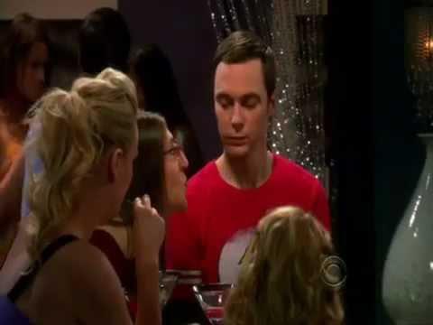 the-big-bang-theory---amy-kiss-sheldon-and-penny