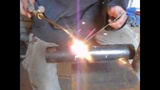 Газосварка для начинающих (нижнее положение шва)(Как научиться варить газосваркой., 2015-11-13T13:22:48.000Z)