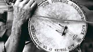 Watch Pete Seeger Hold The Line video