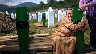 شاهد الفيلم الوثائقي..مذبحة سربرنيتسا - مذبحة البوسنة والهرسك