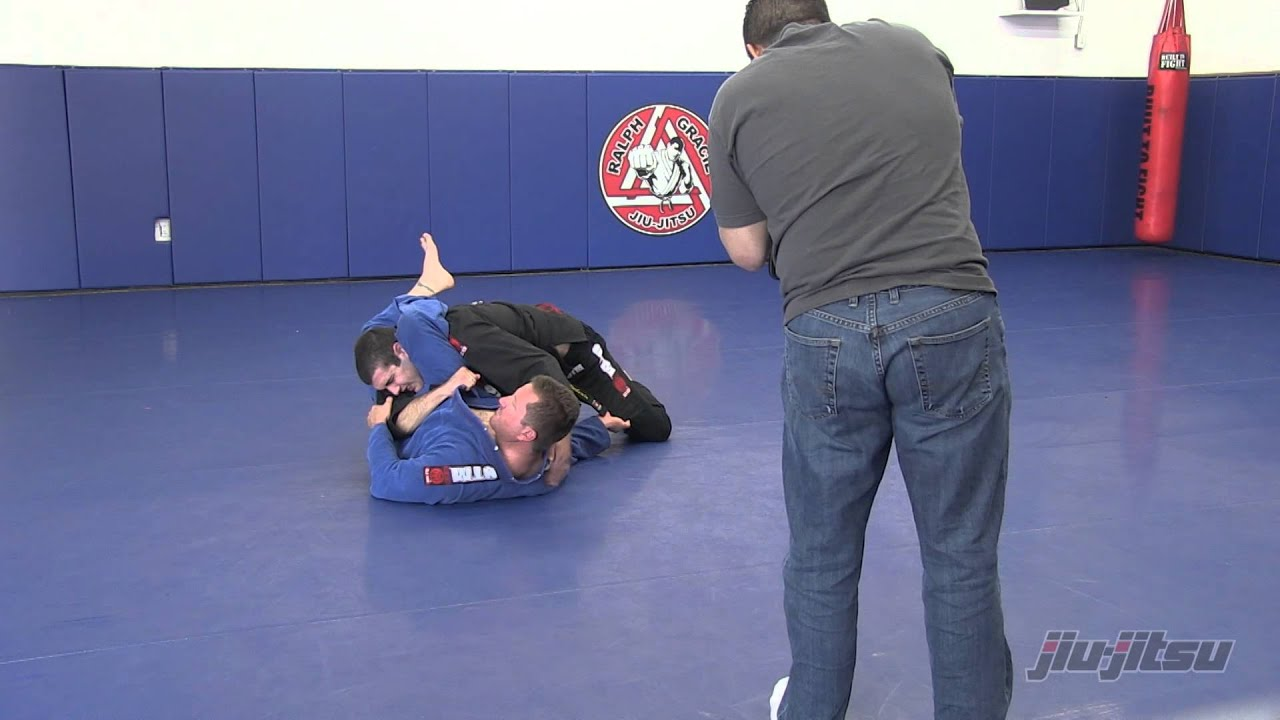 Issue 14 - Breakdown: Triangle Chokes: 5 Tips to Defend the Triangle