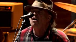 Neil Young - Everybody Knows This Is Nowhere (Live at Farm Aid 2008)