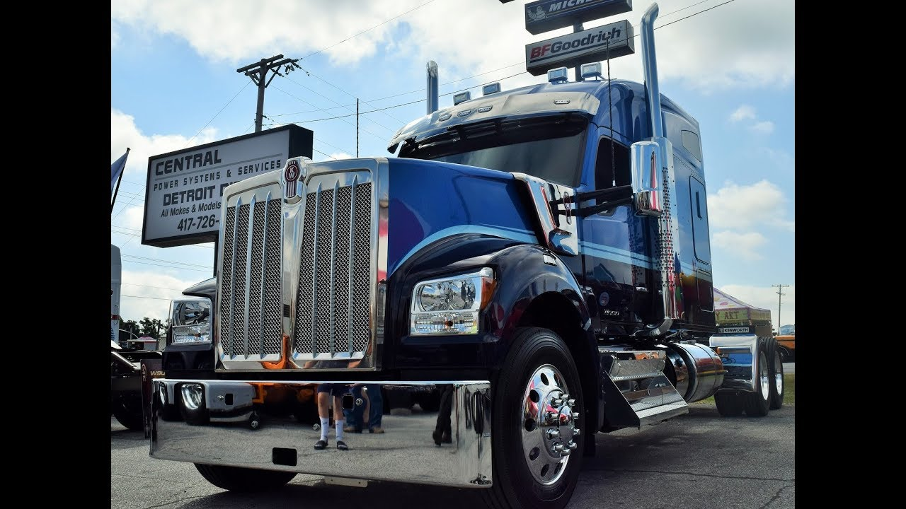 Second look at the 2019 Kenworth W990 with Fleenor Bros  custom spec'd unit