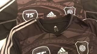 River Plate . Comparo Original Vs Trucha camiseta Negra 75 años monumental
