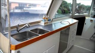 MULTIHULLS: 2004 Buzzards Bay 32' Power Catamaran - SEA LEVEL - Catamaran For Sale