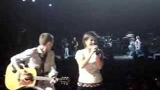 Kelly Clarkson - Breakaway Live