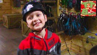 ВЛОГ в Веревочном Парке! Игорек покоряет троллейный спуск в новом видео для детей!
