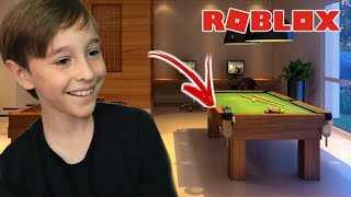 HIDE HIDE GAME IN ROBLOX | Family playing