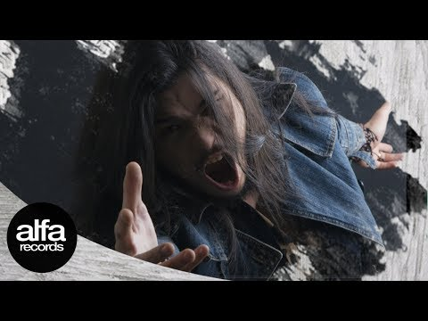 Virzha - Berpura-Pura [official video lirik]