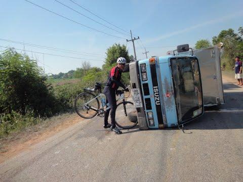 คลิบอุบัติเหตุ จักรยานดวงแข็ง