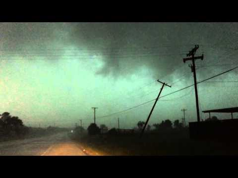 Tornado in Bowie Texas
