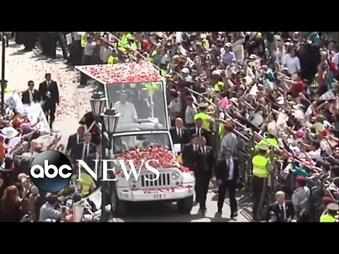 Pope Francis' Ride Makes Americans Smile